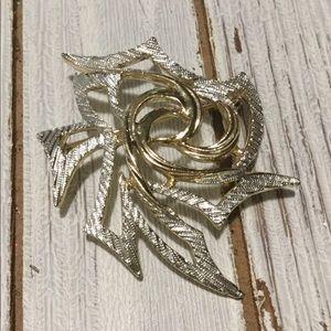 Vintage Sarah Coventry brooch